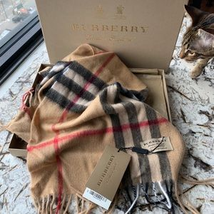 NWT Burberry London Classic Plaid Scarf Cashmere